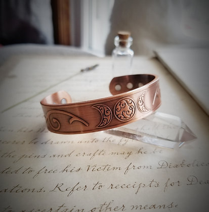 Copper and Magnet Triple Moon Bracelet