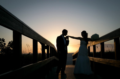Bride an groom in silhouette