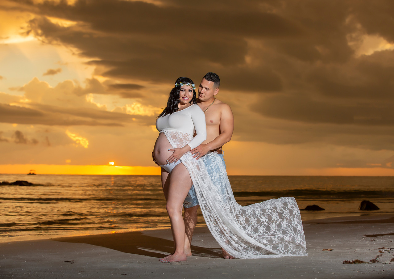 Maternity photo at sunset