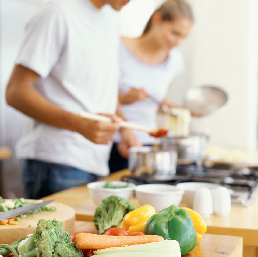 Cooking a healthy dinner together