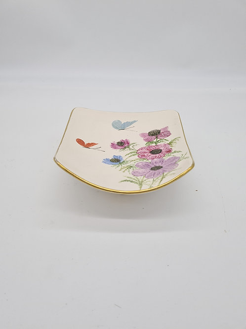 Handpainted footed trinket dish, M W England