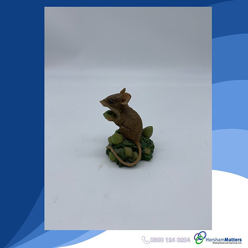 Small mouse figure