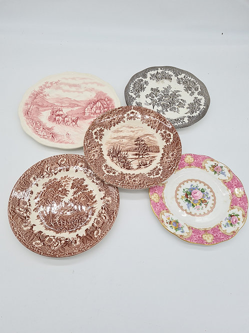 Mixed vintage side plates x 5