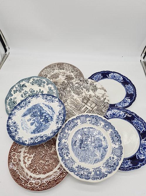 8 x vintage plates