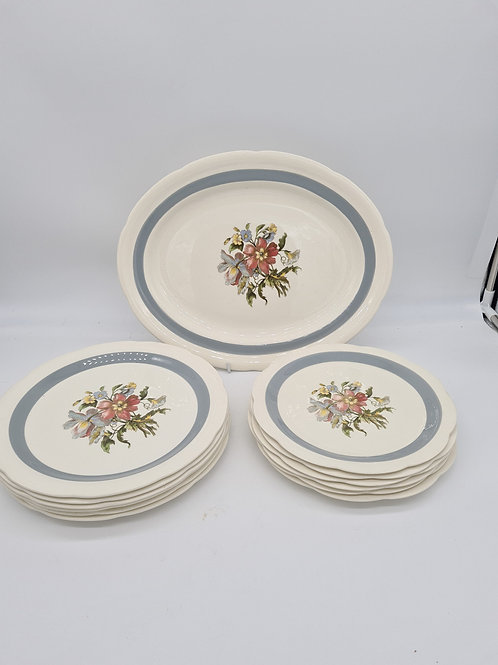 Crown Ducal Ware, 6 side plates, 6 dinner plates and large serving plate