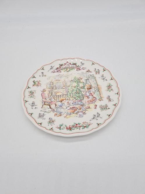 Royal Doulton 12 days of Christmas Plate
