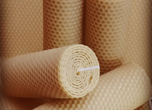 Candele in pura cera d'api arrotolate a mano