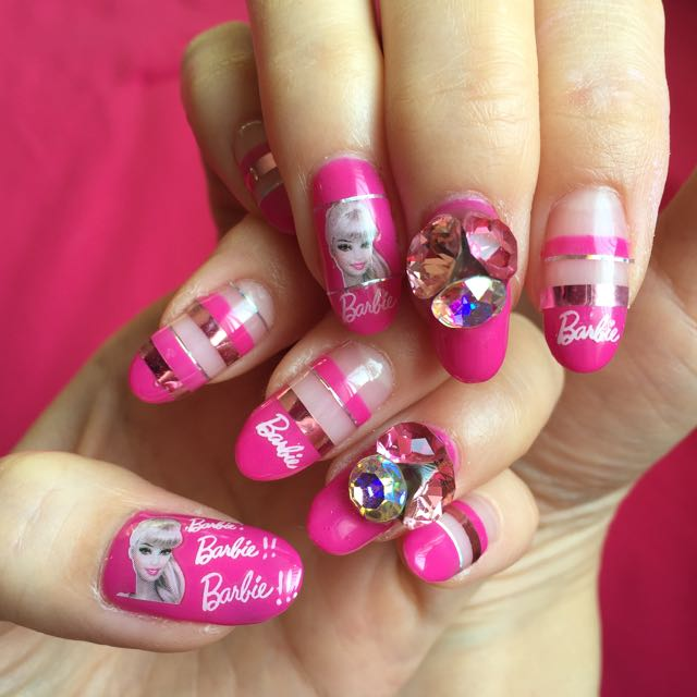 Azusa Barbie nails!