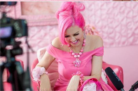 A gorgeously pinktastic photo of Kitten Kay Sera_