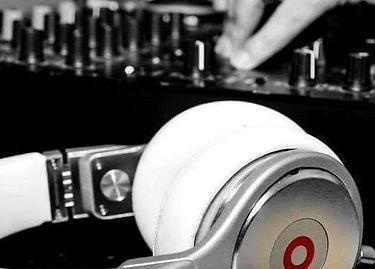 DJ BEAKER.jpg