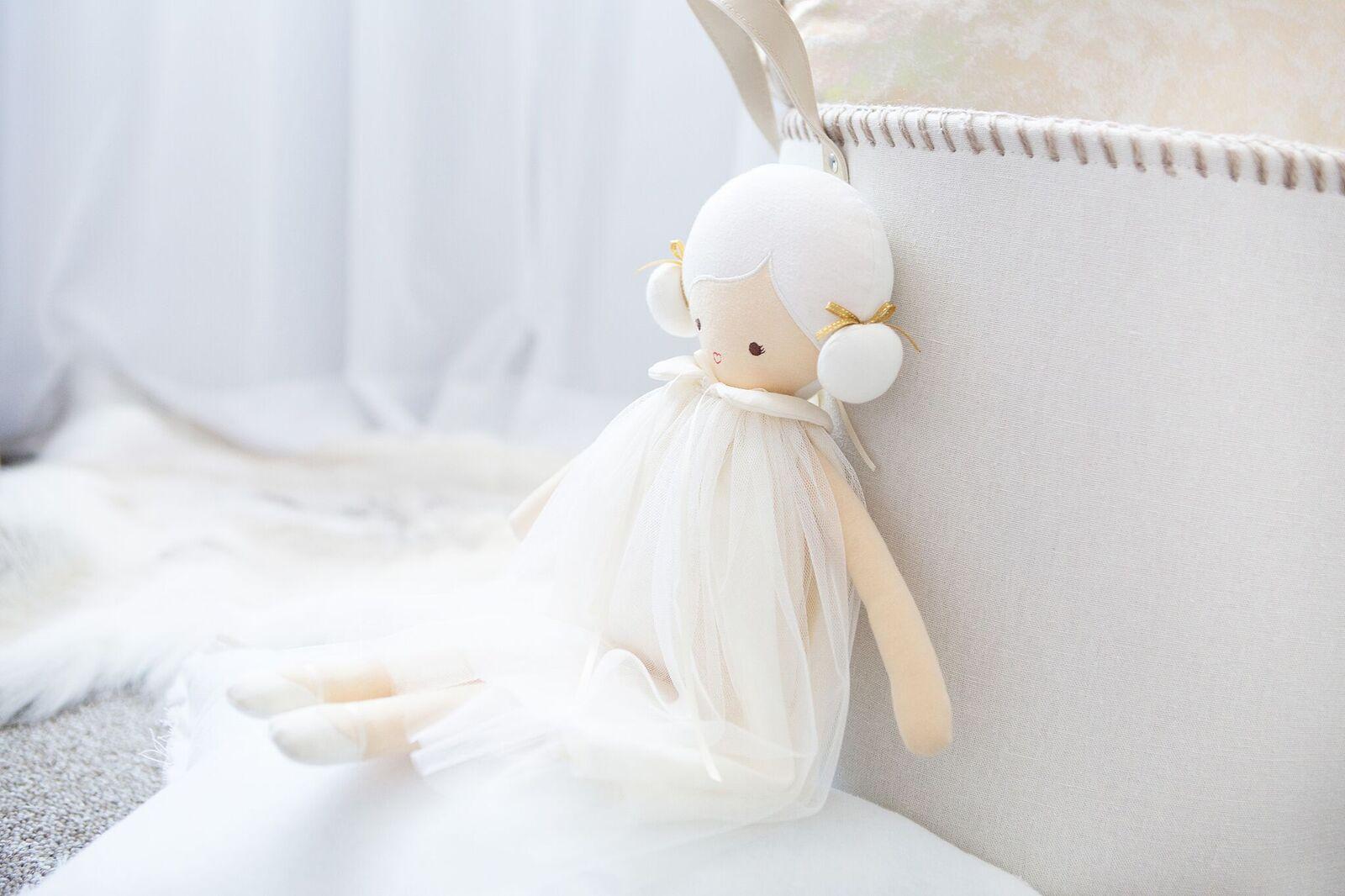 Alimrose Lulu Ivory Lifestyle 1