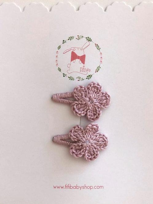 Cuca con Flor Rosa Vintage Tejida