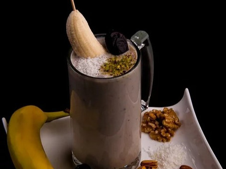 Banana Date Smoothies