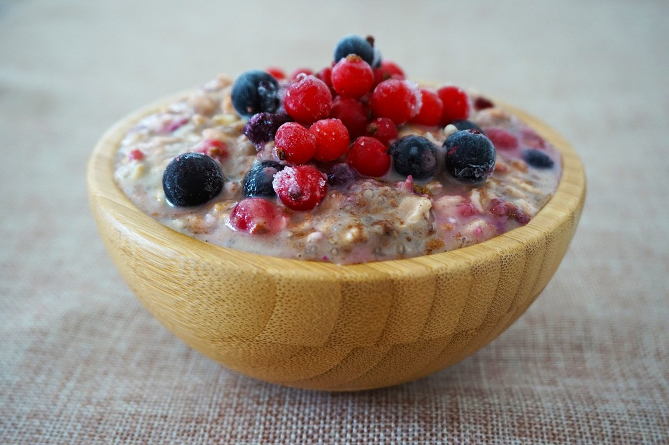 Overnight Oats With Mixed Berries