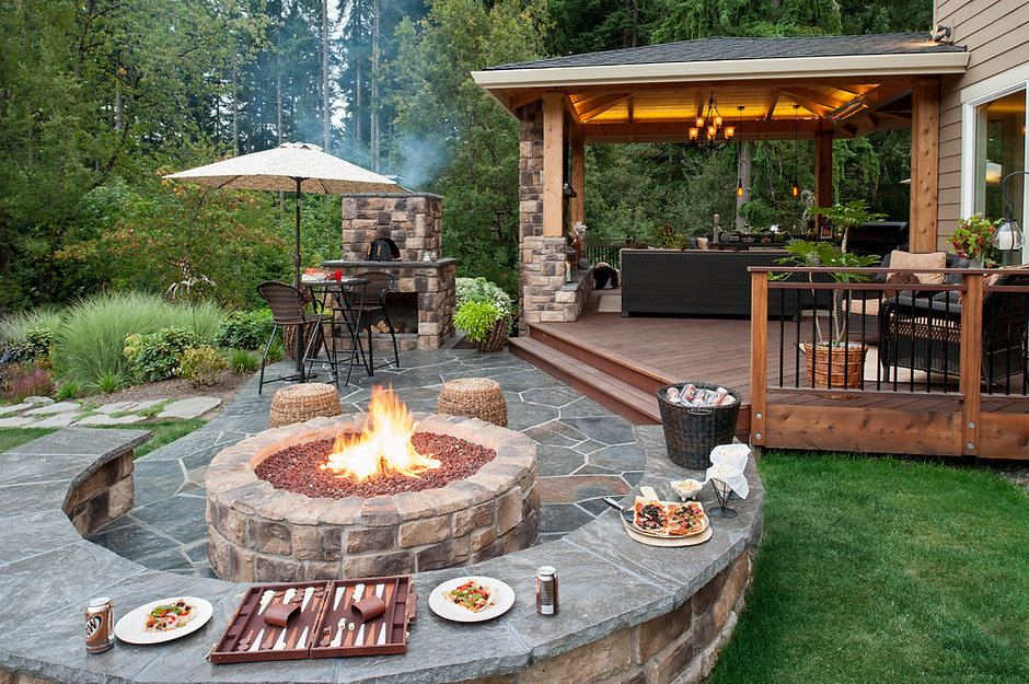 backyard-designs-with-fire-in-Patio-Trad