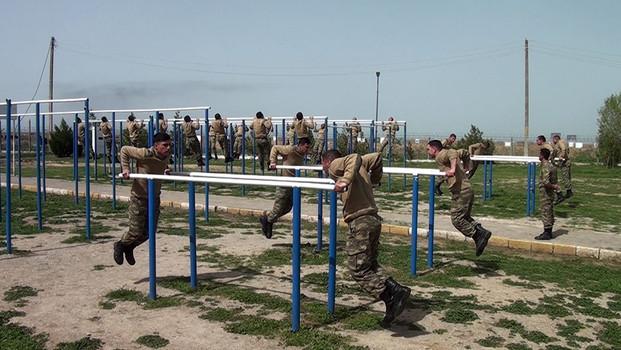 Orduda gənc əsgərlərin hazırlığına xüsusi diqqət yetirilir
