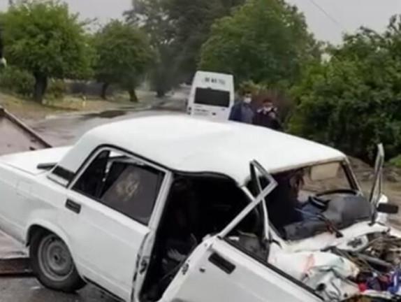 Kəlbəcər sakini avtomobili aşırdı - ÖLƏN VAR