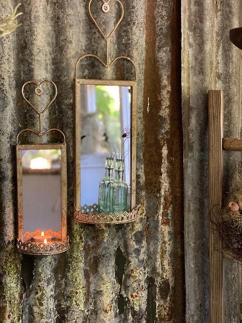 Pretty hanging wall mirror