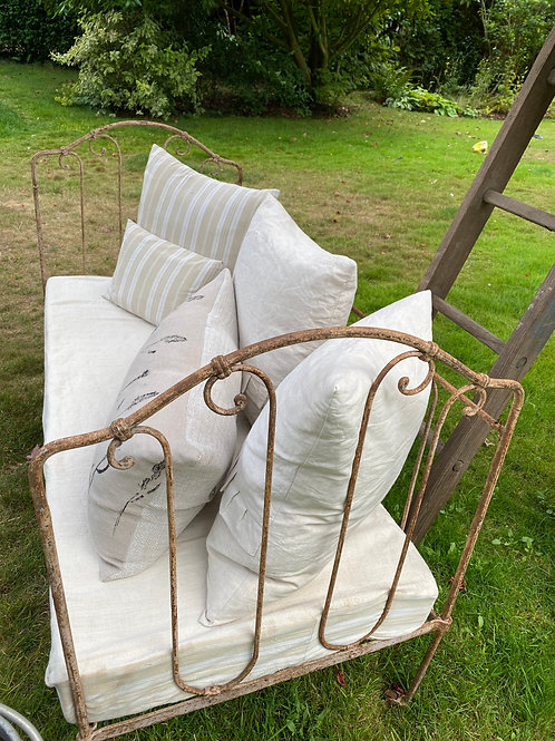French Daybed with Mattress