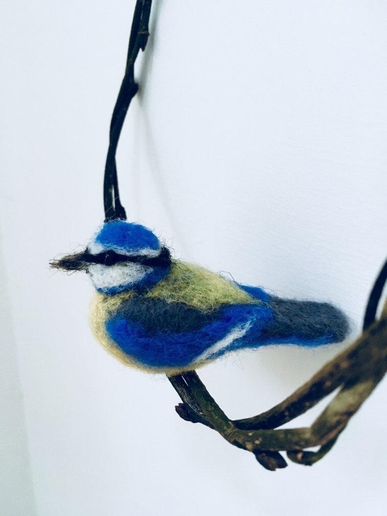 Needlefelted Garden Bird in Hoop