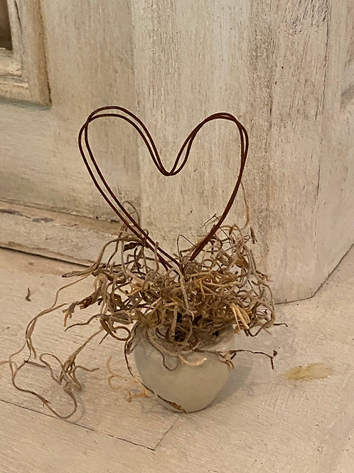 Wire Heart Place tag holder