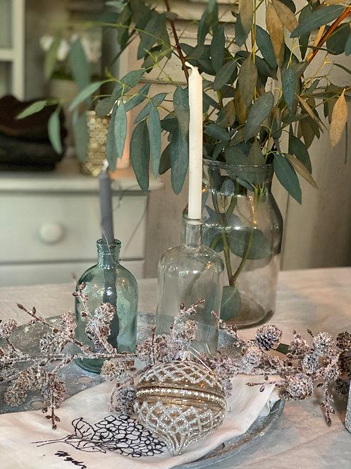 Diamond pattern teardrop glass bauble