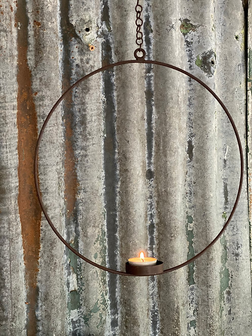 Hanging florist ring with votive