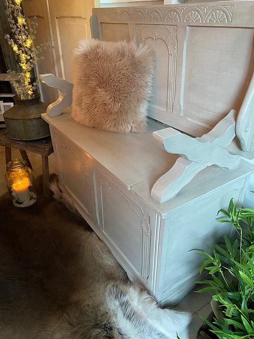 Pretty little Settle / side table