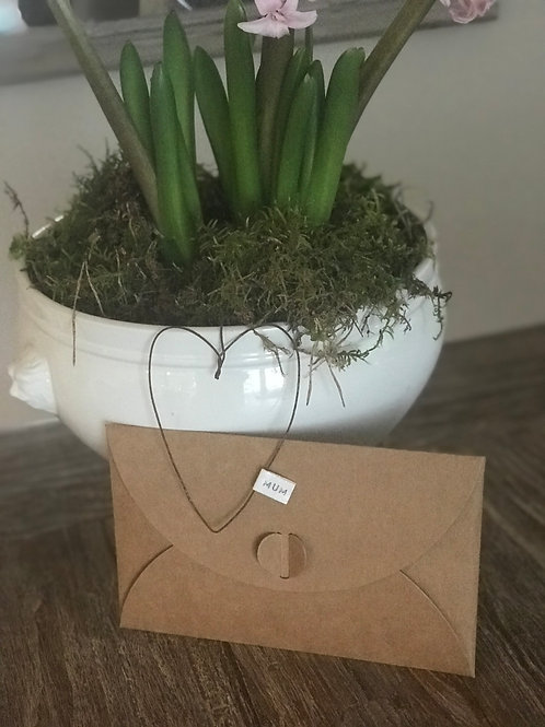 Wire work heart gift tag