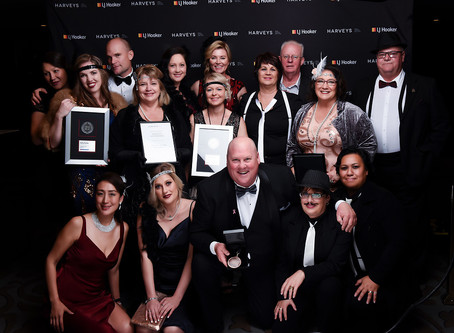 Harveys Papakura wins at the 2018-2019 Annual Harveys and LJ Hooker Awards