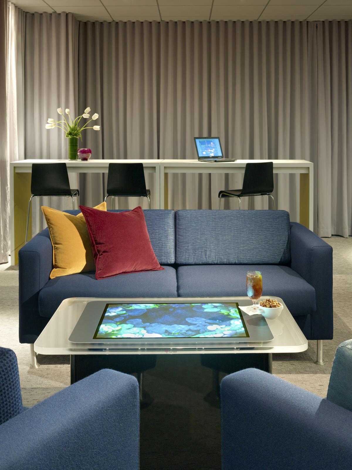 Media Lounge5