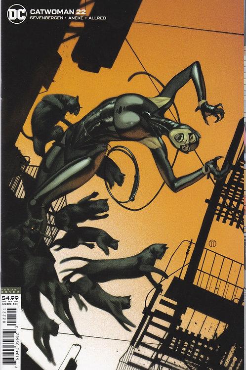 Catwoman #22 Cover B Julian Totino Tedesco Variant