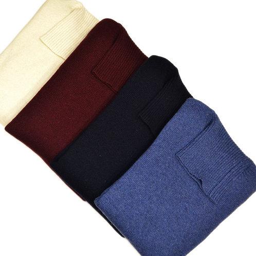Maglione da uomo  in lana collo alto. Disponibile in  diversi  colori