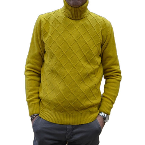 Wool sweater with high neck. Fantasy: rhombus