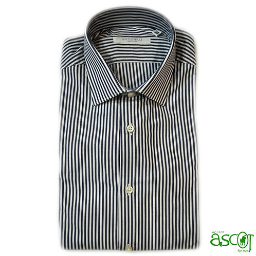Ble-striped shirt of the cotton