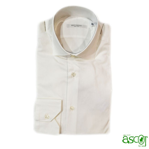 White shirt of the cotton