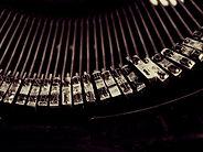 typewriter-1245894_640.jpg