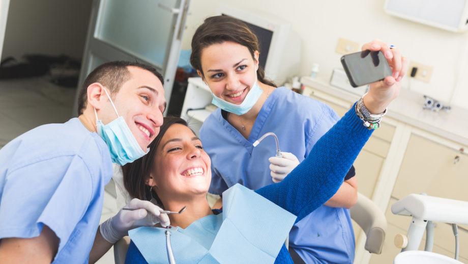 dental-social-media-920x518.jpg