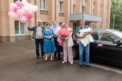 Выписка из роддома | Defilm.ru