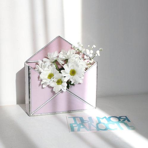 Ваза конверт из розового стекла