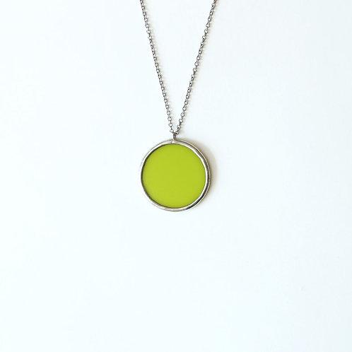 Кулон круг из ярко-зеленого стекла