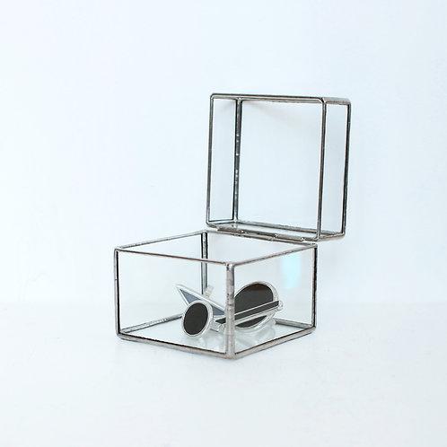 Шкатулка из прозрачного стекла