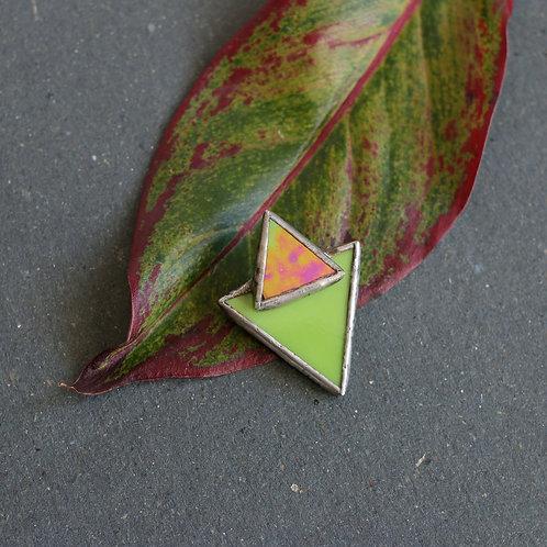 Брошь треугольник с треугольником зеленая