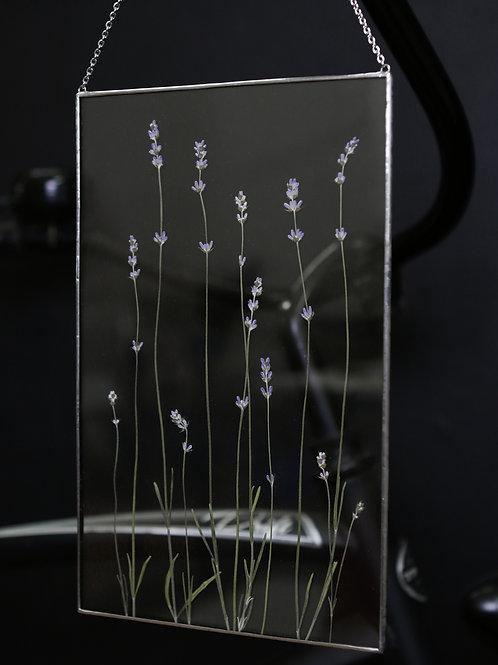 Вертикальное панно с лавандой в серебристой рамке