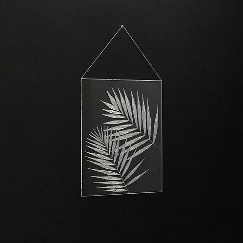 Настенный декор с серебристыми листами пальм