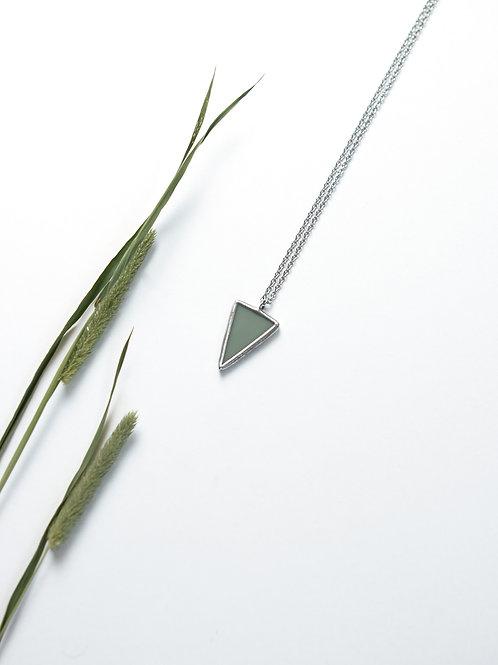 Кулон треугольник из серо-зелёного стекла