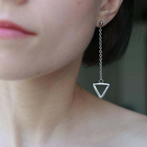 Серьги треугольники из прозрачного стекла на цепочке