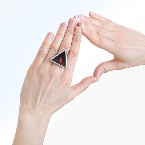 Кольцо треугольной формы