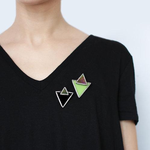 Брошь треугольник с треугольником черная