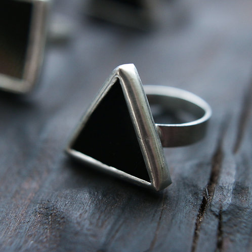 Кольцо треугольное